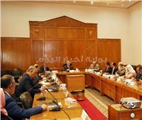 وزير الري يبحث خطة التوعية بترشيد المياه وتطويرها