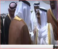 فيديو| لحظة وصول أمير الكويت إلى مدينة جدة للمشاركة بالقمة العربية