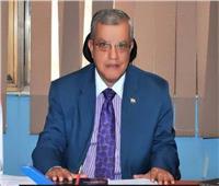 «عبدالواحد» يكشف مشاكل القطاع التأميني والحلول