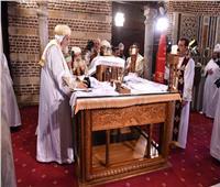 بدء قداس عيد دخول السيد المسيح إلي مصر بكنيسة أبي سرجة