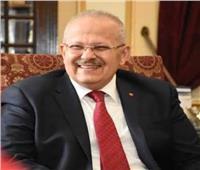 «الخشت» ينقذ مستقبل طالبة بمخالفة اللوائح.. وطلاب: أب في جامعة القاهرة