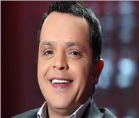 محمد هنيدي ينفي وفاة حسن حسني بـ«حجر شيشة»
