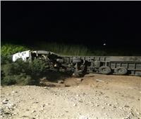 مصرع سائق إثر انقلاب سيارة نقل بالطريق الصحراوي في البحيرة