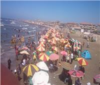 إقبال متزايد على الشواطئ والحدائق والرحالات النيلية بدمياط