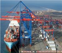 تداول 34 شاحنة بضائع عامة بموانئ البحر الأحمر
