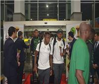 عاجل| صور.. منتخبا «نيجيريا» و«زيمبابوي» يصلان على طائرة خاصة بمطار القاهرة