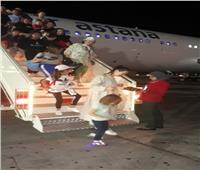 وفد سياحي من كازاخستان وروسيا يصل مطار شرم الشيخ