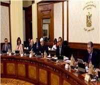الحكومة تنفي فرض ضرائب جديدة وتؤكد: لا توجد أزمة سيولة