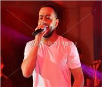 صور| تامر عاشور يُطرب جمهور الأوبرا بأغاني ألبومه الجديد