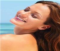 6 أساسيات في حقيبتك لحماية جلدك من الشمس