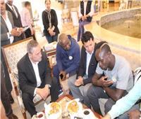 وزيرالرياضة يستقبل المنتخب السنغالي ويلتقي ماني بالإسماعيلية