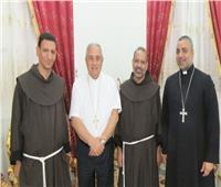الأنبا عمانوئيل عياد يستقبل السفير الفاتيكان والخادم الإقليمي