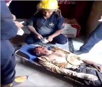 قوات الحماية المدنية بالإسكندرية تنجح في إنقاذ عامل بمطعم من تحت الأنقاض