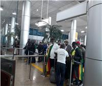 «المطار» يستقبل طائرة خاصة لمشجعين زيمبابوي لحضور افتتاح أمم إفريقيا