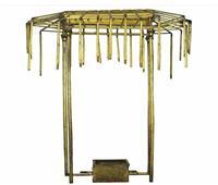 «الآثار» تنشر صور مظلة الملك توت عنخ أمون بعد وصولها المتحف الكبير