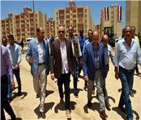 وزير الإسكان يتفقد أعمال إعادة تشطيبات «مشروع جمصة»