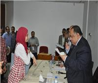 رئيس جامعة حلوان يعلن قرارات جديدة في اللقاء الشهري للعاملين