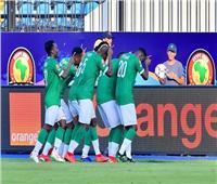 كارلوس لاعب مدغشقر يحصل على لقب رجل المباراة بعد فوزهم على نيجيريا