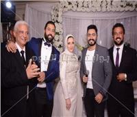 صور| تامر حسني نجم حفل خطوبة «محمود وهايدي»