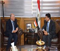 وزير الرياضة يلتقي سفير أستراليا بالقاهرة لبحث أوجه التعاون بين البلدين