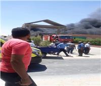 النيابة العامة تعاين موقع حريق مصنع بلاستيك بأكتوبر