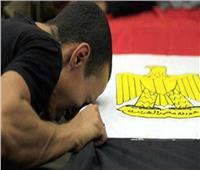 «أعرفك بنفسي».. طالبة تبكي الحضور بشعر في حب مصر