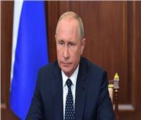 بوتين يحذر من انهيار الاقتصاد العالمي