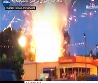 شاهد  اندلاع حريق ضخم في متجر أمريكي للألعاب النارية