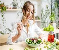 للفتيات.. 5 نصائح غذائية لفقدان الوزن وعلاج حب الشباب
