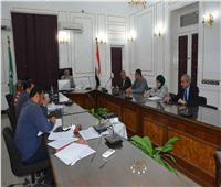 محافظ المنيا يوجه رؤساء الوحدات المحلية والمرور بمتابعة الالتزام بالتعريفة الجديدة