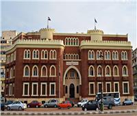 جامعة الإسكندرية تبحث عقد شراكة مع مؤسسة أمريكية لتقديم برامج دراسية