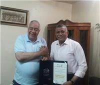 «الاتحاد المصري» يكرم مدرب المنتخبات القومية لكمال الأجسام