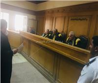 عاجل| المحكمة تواجه المتهمين بـ«حادث محطة مصر»
