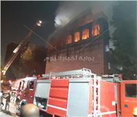 صور| الاستعانة بأوناش ضخمة للتعامل مع حريق كنيسة الأنبا بولا
