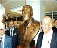 وزارة قطاع الأعمال توقف بيع 3 تماثيل نحاسية لجمال عبد الناصر