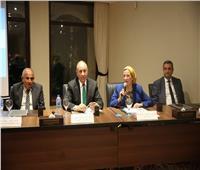 وزيرة البيئة ومحافظ البحر الأحمر يشاركان في «مخاطر استخدام البلاستيك»
