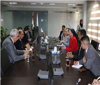 وزيرة البيئة تستقبل محافظ بغداد وسفير العراق لبحث سبل التعاون