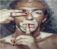«محمود والبهاق».. قصة عارض أزياء تحدى المرض بـ«الباركور»