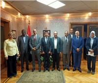 وزير الرياضة يلتقي مسؤولي إحدى الشركات الراعية لأمم إفريقيا لتطوير التعاون