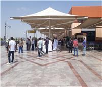 بالزغاريد والسيلفي.. حجاج القرعة يحتفلون بالوصول إلى مطار القاهرة