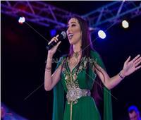 دنيا بطمة تحيي حفل إفتتاح المهرجان العالمي للقفطان بالمغرب