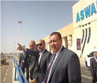 وزير الطيران المدني يتفقد مطار أسوان الدولى لمتابعة سفر حجاج الوجه القبلي