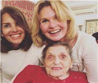بالصور   شاهد آخر مناسبة جمعت يسرا ووالدتها قبل وفاتها