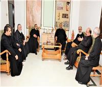 بطريرك الكاثوليك يصل إلى المنيا في زيارة رعوية