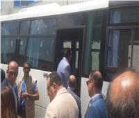 رئيس الوزراء يتفقد مشروع مرغم 2 ويستقل أتوبيس المحافظة لاستكمال الجولة