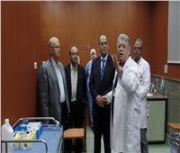 وفد من لجنتي التعليم والصحة بالنواب يزورون مستشفىالكبد المصري بشربين