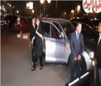 صور وفيديو| أول ظهور لصفاء أبو السعود في عزاء فاروق الفيشاوي