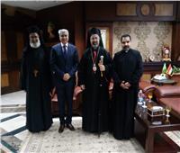 بطريرك الكاثوليك يزور محافظ المنيا