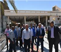 وزير النقل يتفقد مشروعات المحاور التنموية وميناء السد العالي بأسوان