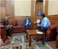 وزير الرياضة يلتقي ببطل الجودو رمضان درويش